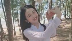 Lần đầu trổ tài thể hiện điệu múa quạt trong truyền thuyết, Linh Ka bất ngờ được khen ngợi 'đáng yêu hết nấc'