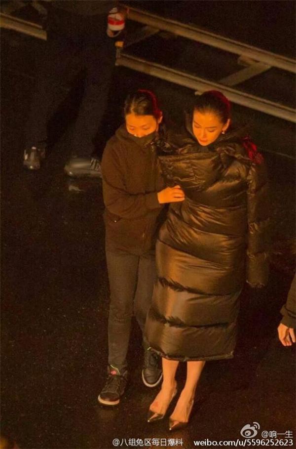 Mỹ nhân Hoa ngữ vác bụng bầu lên phim trường: Người bị sảy thai, kẻ hứng chịu chỉ trích-12