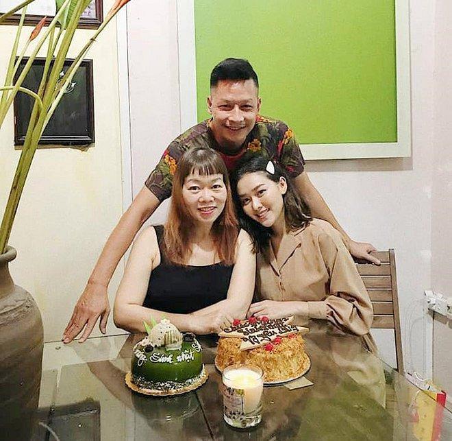Á hậu Tường San khoe ảnh gia đình, nhưng bất ngờ nhất là gout thời trang sành điệu của cả nhà-6