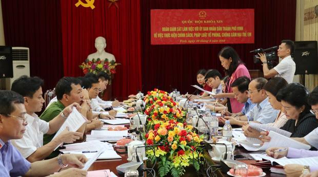 Nghi án bé gái 6 tuổi bị xâm hại tình dục ở Nghệ An: Công an công bố thông tin mới nhất-1