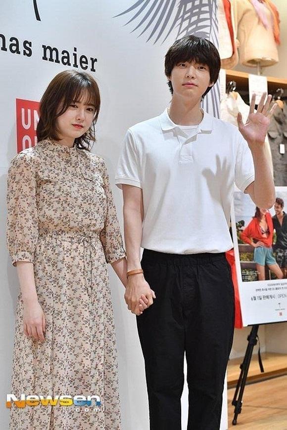 Chê vợ không quyến rũ nhưng Ahn Jae Hyun lại sở hữu gu thời trang nhạt nhòa khiến người hâm mộ ngán ngẩm-7