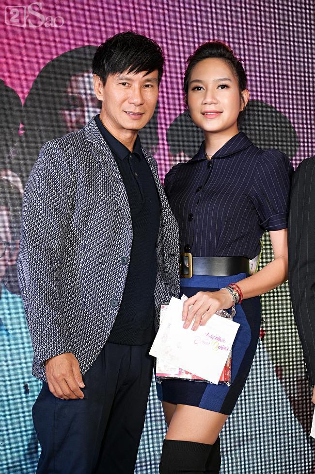 Tưởng Hồng Đào vắng mặt, ngờ đâu vẫn xuất hiện bên cạnh Quang Minh trong họp báo phim-16