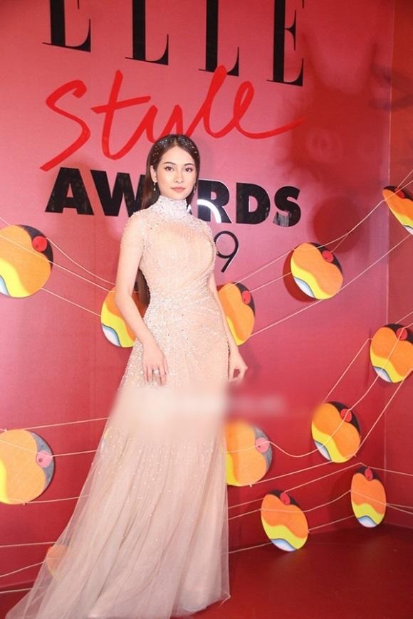 Sau khi lấy chồng, Nhã Phương - Hari Won lên đời nhan sắc, liên tục lọt top sao mặc đẹp-3