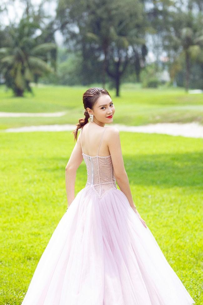 Học tập gout ăn mặc của Ninh Dương Lan Ngọc để mỗi ngày đều sexy và sang chảnh hết nấc-12