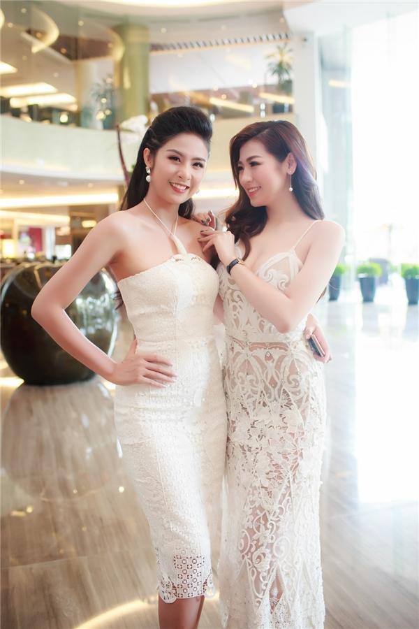 Trước khi lấy chồng, Hoa hậu Ngọc Hân đặt hàng con trai Á hậu Tú Anh lăn giường tân hôn lấy may-1
