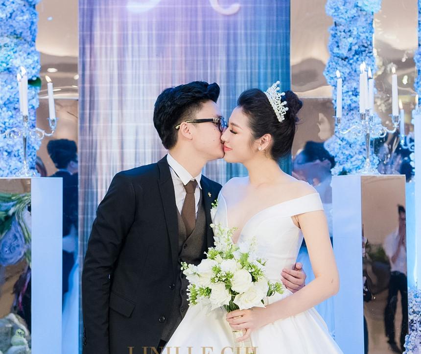 Trước khi lấy chồng, Hoa hậu Ngọc Hân đặt hàng con trai Á hậu Tú Anh lăn giường tân hôn lấy may-6
