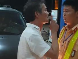 Tài xế xe biển xanh chửi bới, tát cảnh sát giao thông Thanh Hóa