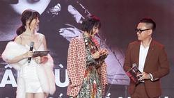 Hari Won đọc tên Châu Bùi thành bộ phận nhạy cảm của đàn ông ngay trong chương trình phát sóng trực tiếp