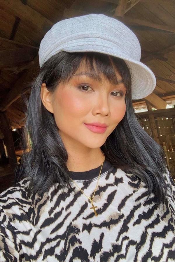 Hoa hậu HHen Niê trông như người khác mỗi lần thay đổi kiểu tóc-6