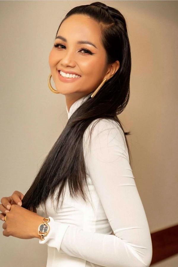 Hoa hậu HHen Niê trông như người khác mỗi lần thay đổi kiểu tóc-8