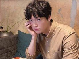 Ahn Jae Hyun âm thầm xóa bình luận tiêu cực giữa scandal ly hôn Goo Hye Sun