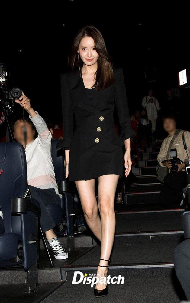 Fan tranh cãi khi Yoona đụng hàng váy 2.100 USD với 2 mỹ nhân Hàn-1