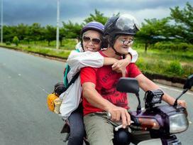 Ngưỡng mộ tình yêu đẹp của vợ chồng phượt thủ U70 và lời hứa 'cùng nhau đi hết Việt Nam'