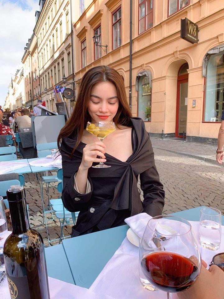 Kim Lý âu yếm Hồ Ngọc Hà tại Thụy Điển, fans chỉ mong nữ ca sĩ sớm trở thành dâu con trong nhà-3