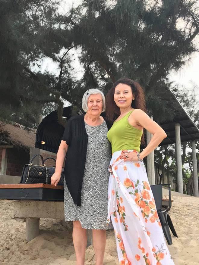 Kim Lý âu yếm Hồ Ngọc Hà tại Thụy Điển, fans chỉ mong nữ ca sĩ sớm trở thành dâu con trong nhà-12