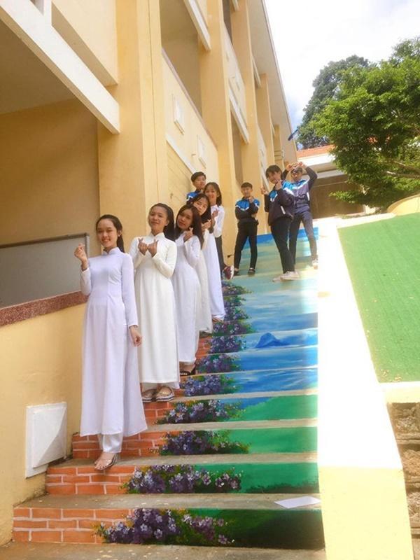 Ngôi trường ở Lâm Đồng có hàng loạt bậc thang sống ảo-4