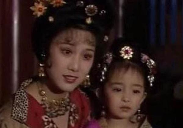 Quá khứ chưa kể của Dương Mịch: 6 tuổi nằm chung bệnh viện với anh trai Tôn Ngộ Không-3