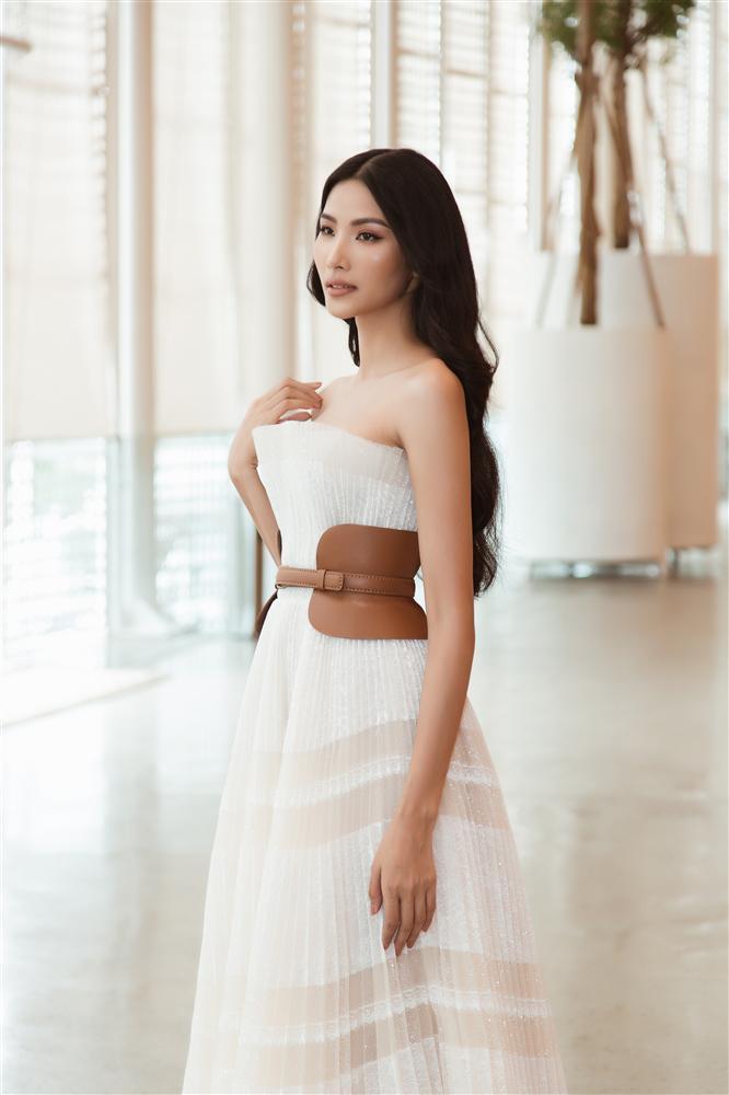 Hoàng Thùy nên để kiểu tóc nào và phải né kiểu tóc nào khi chinh chiến Miss Universe 2019?-10