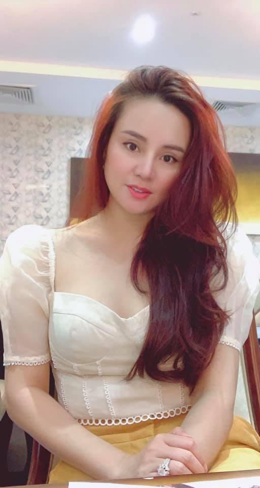 Thu Minh mặc bikini phô diễn đường cong gợi cảm ngỡ ngàng ở tuổi U50-14