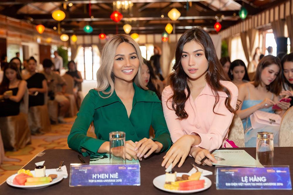 Bản tin Hoa hậu Hoàn vũ 25/8: Lệ Hằng phải gánh cái kết bất ngờ khi mặc đụng hàng HHen Niê-4