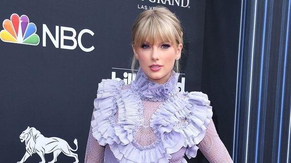 Taylor Swift trở thành nghệ sĩ có số lượng album bán ra nhiều nhất trong ngày đầu tiên của năm 2019-2