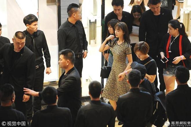 Những mỹ nhân Trung Quốc bị chỉ trích vì hành xử như bà hoàng-2