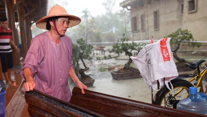 Cuộc sống của Hoài Linh sau khi vắng bóng trên sóng truyền hình-4