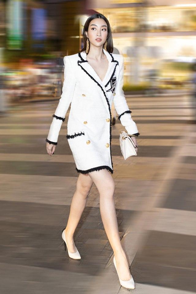 Hoa hậu Đỗ Mỹ Linh bị photographer đe dọa chỉ vì đến sự kiện muộn-1