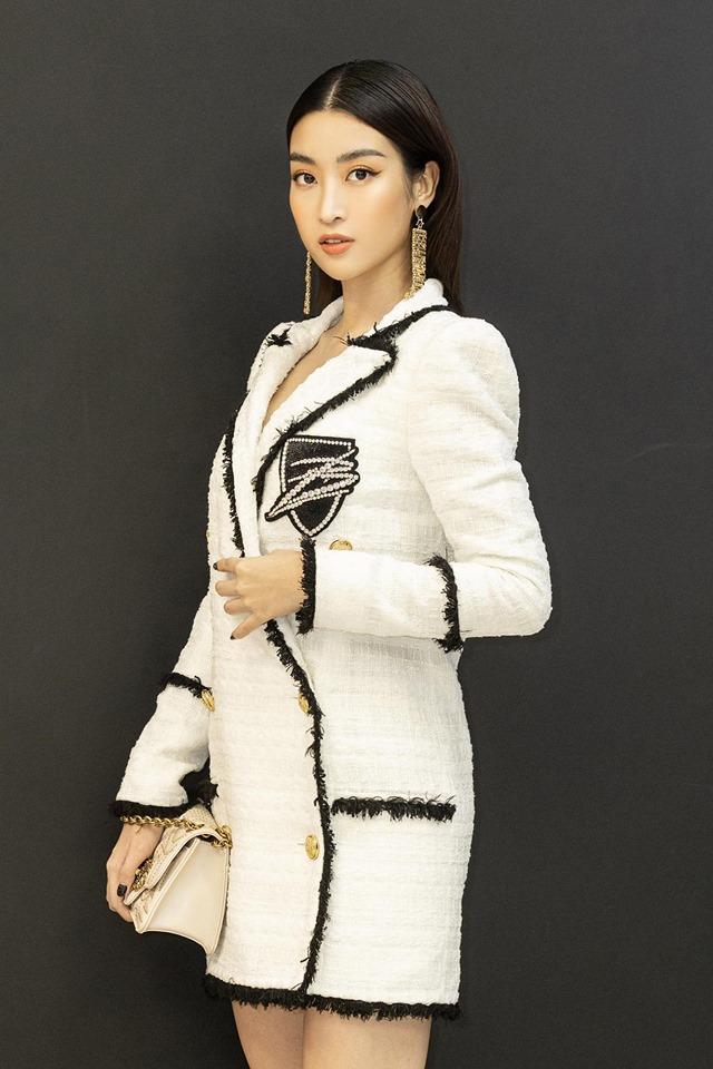 Hoa hậu Đỗ Mỹ Linh bị photographer đe dọa chỉ vì đến sự kiện muộn-4