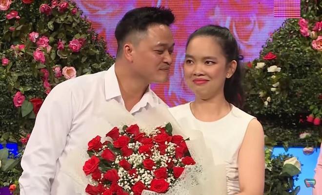 VZN News: Cô gái bị chỉ trích đào mỏ khi đòi bạn trai cho đi châu Âu: Gia đình không thiếu thốn, tôi tự kiếm tiền đi du lịch được-5