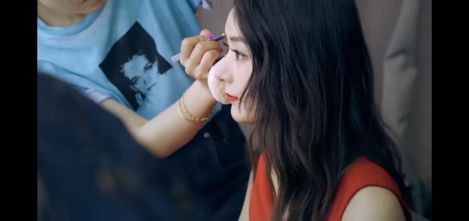Triệu Lệ Dĩnh khoe loạt ảnh hậu trường đẹp xuất thần sau khi tái xuất showbiz-3