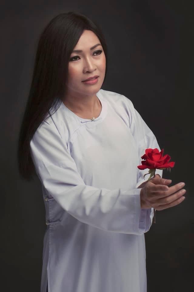 VZN News: Trong ngày đoạn tang tình cũ, Phương Thanh thừa nhận: Tôi mắc nợ bà nội bé Gà nhiều hơn bố của con-5