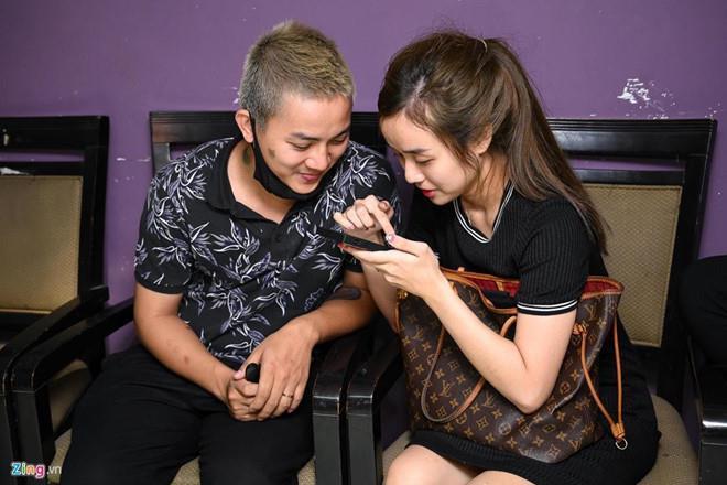 8 năm yêu nhau ngọt ngào, vượt qua dư luận của vợ chồng Hoài Lâm-7