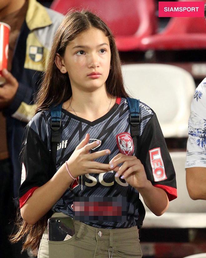 Được báo Thái hết lời khen ngợi, em gái 12 tuổi của Đặng Văn Lâm làm điều bất ngờ-3
