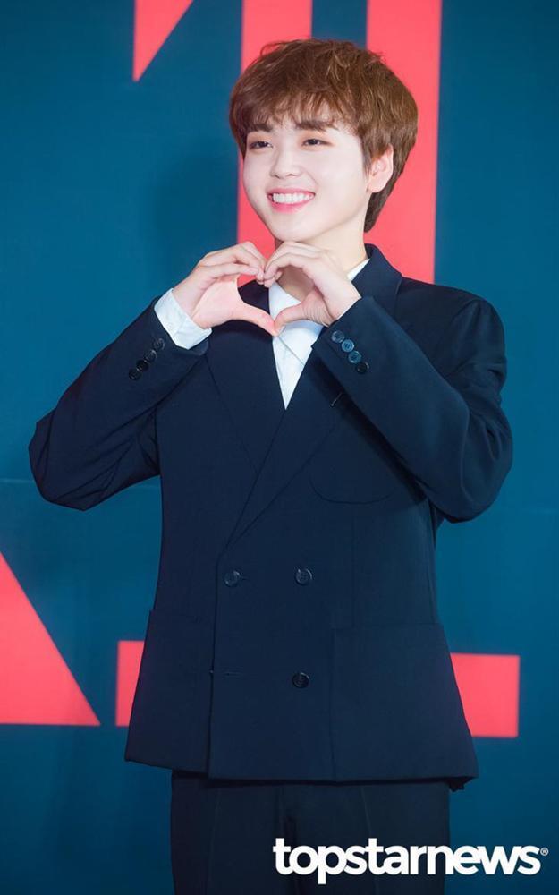 Nhóm nhạc toàn mỹ nam bước ra từ ProduceX101 được chờ đón nhất Kpop-12