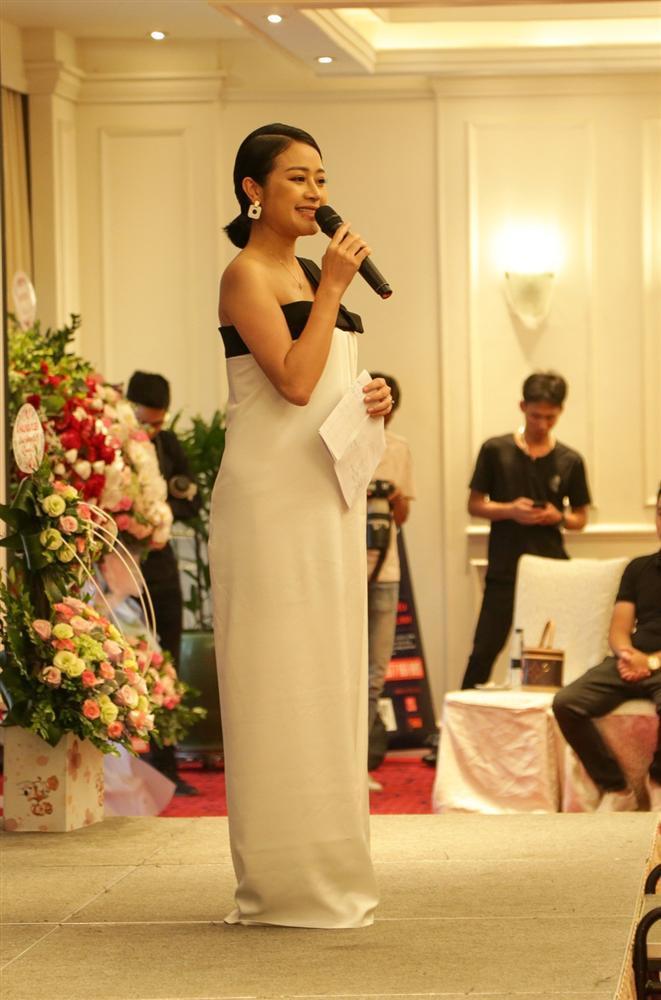 VZN News: MC Phí Linh: Ông xã bật cười sung sướng khi biết tôi mang thai-1