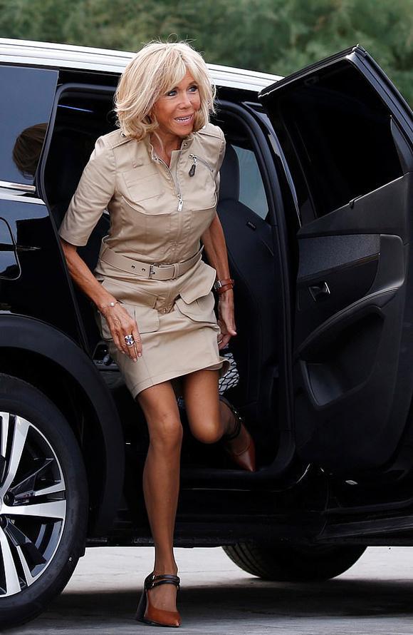 Đệ nhất phu nhân Pháp tốn hơn 400 triệu đồng cho váy áo 3 ngày dự G7-6