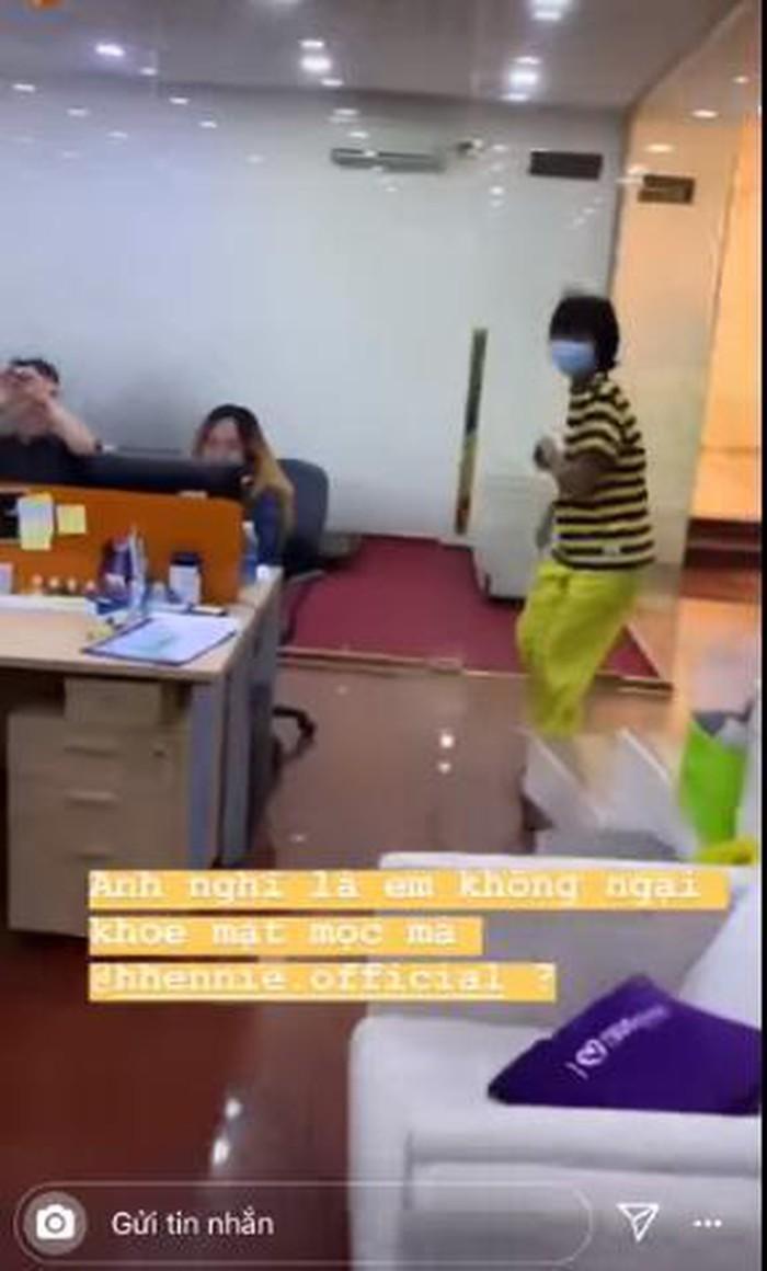 VZN News: Hoa hậu HHen Niê bỏ chạy tán loạn khi phát hiện có người quay lén khoảnh khắc mặt mộc-4