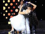 Minh Luân hôn Phương Trinh Jolie khiến bạn diễn bất ngờ
