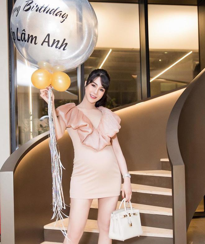 VZN News: Thái cực đối lập của mỹ nhân Việt khi mang bầu: Người giấu bụng cực tài, người chẳng ngại múa cột-6