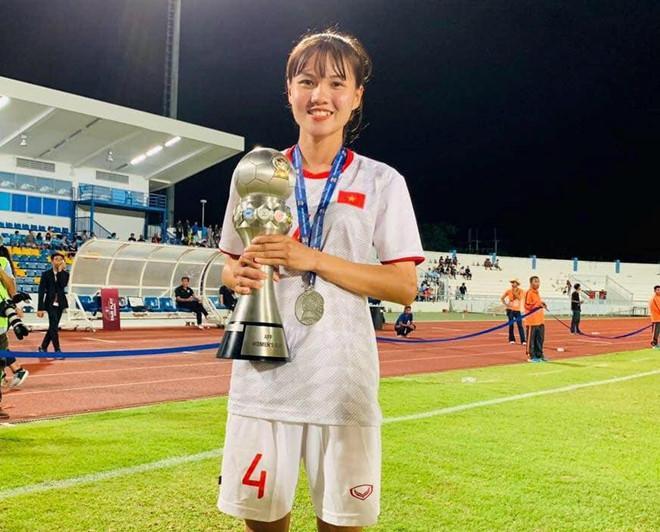 Nữ cầu thủ được dân mạng gọi là hoa khôi đội tuyển Việt Nam-1