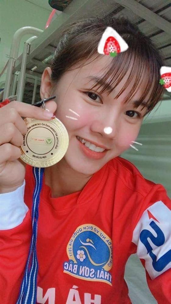 Nữ cầu thủ được dân mạng gọi là hoa khôi đội tuyển Việt Nam-3
