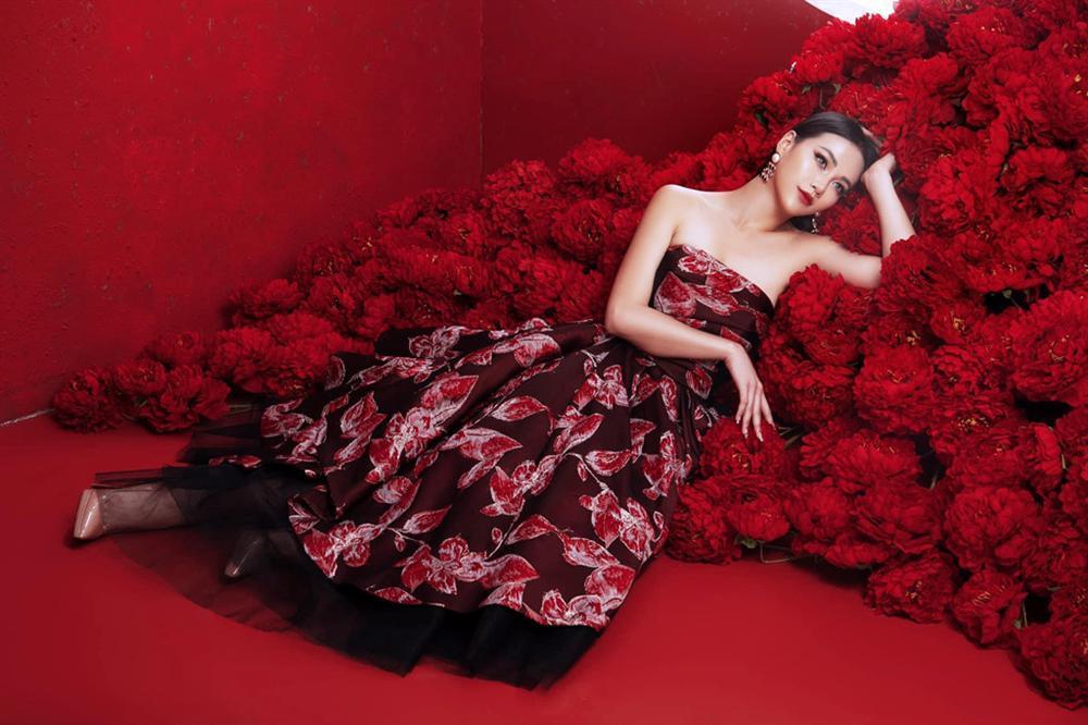 VZN News: Hoa hậu Phương Khánh: Tôi khâm phục HHen Niê vì ý chí và vẻ đẹp lạ-1