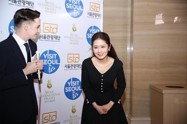 VZN News: Trương Ngọc Ánh được vinh danh là Ngôi Sao Châu Á tại Seoul International Drama Awards 2019-3