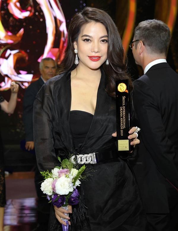VZN News: Trương Ngọc Ánh được vinh danh là Ngôi Sao Châu Á tại Seoul International Drama Awards 2019-6