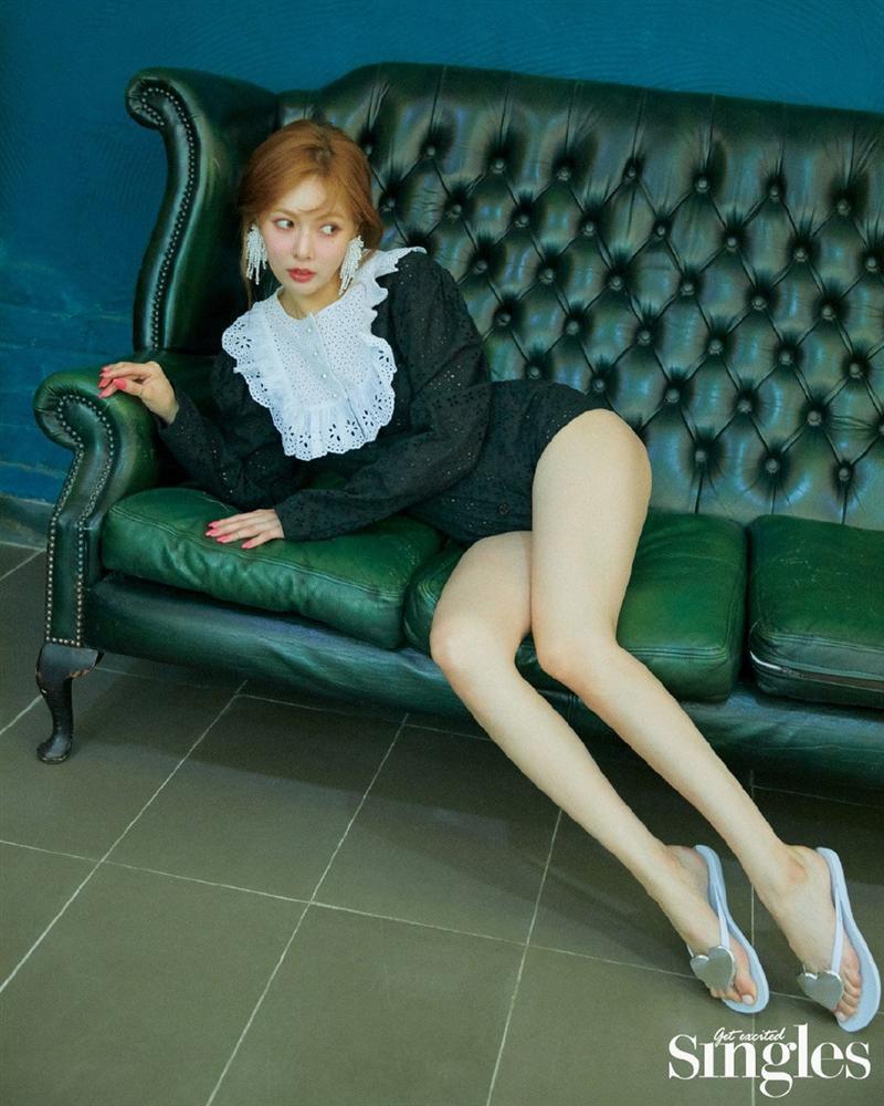 HyunA lấy lại phong độ, mạnh dạn khoe vòng 3 gợi cảm trong bộ đồ hầu gái-2