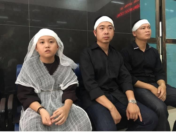 Phương Thanh lên tiếng khi bị đồn là người thứ ba, tự may áo tang che mắt công chúng-4