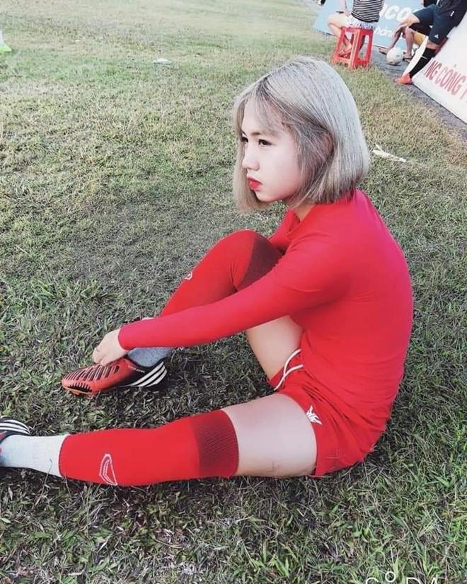 VZN News: Các nữ cầu thủ bóng đá Việt gây thương nhớ nhờ vẻ ngoài xinh xắn-4