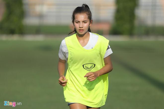 VZN News: Các nữ cầu thủ bóng đá Việt gây thương nhớ nhờ vẻ ngoài xinh xắn-9