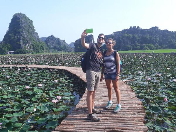 Xuất hiện đầm sen đẹp lạ lùng ở Ninh Bình làm giới trẻ mê mẩn muốn đến check in-2